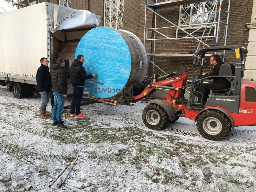 TRANSPORTVERPACKUNG IHRER AUßEN BADETONNE timberin 1